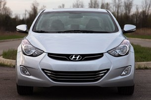 2011 Hyundai Elantra Limited front view