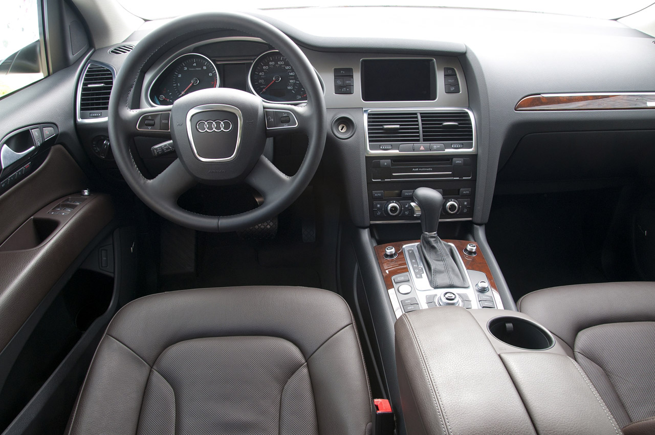 2011 Audi Q7 3 0t S Line  Review Photo Gallery