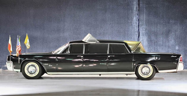 1964 Lincoln Continental parade car