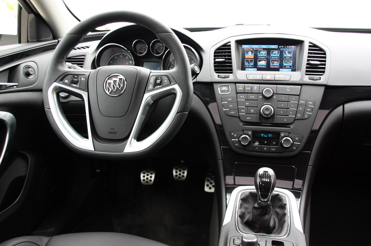 2012 buick regal gs first drive photo gallery autoblog. Black Bedroom Furniture Sets. Home Design Ideas