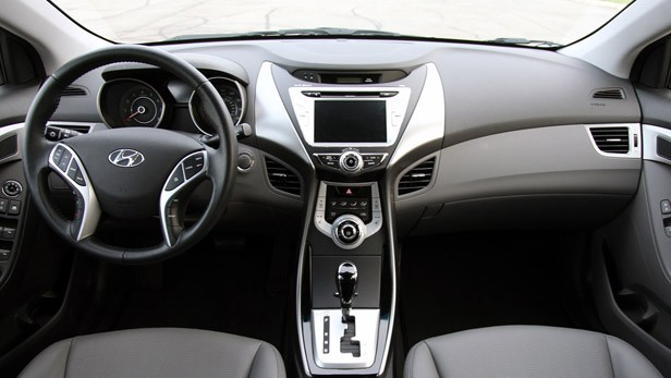 2011 Hyundai Elantra Limited interior