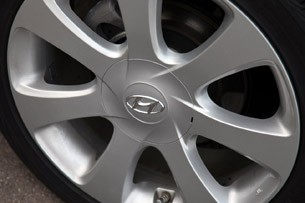 2011 Hyundai Elantra Limited wheel