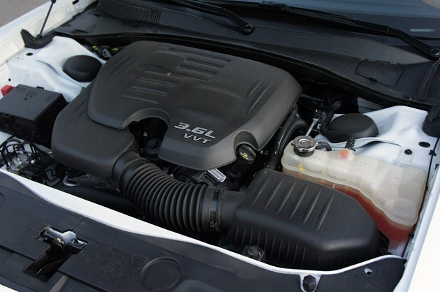 2011 Dodge Charger Rallye V6 engine