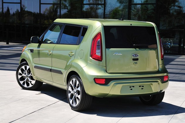 2012 Kia Soul rear 3/4 view