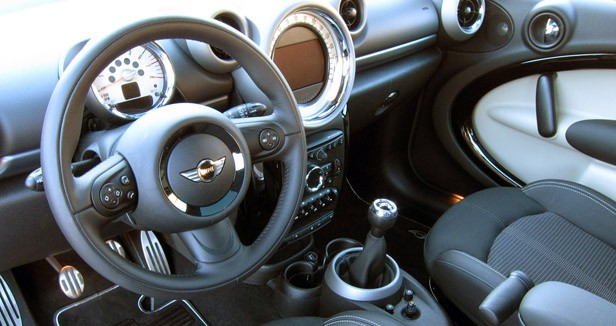 2011 Mini Cooper S Countryman All4 interior