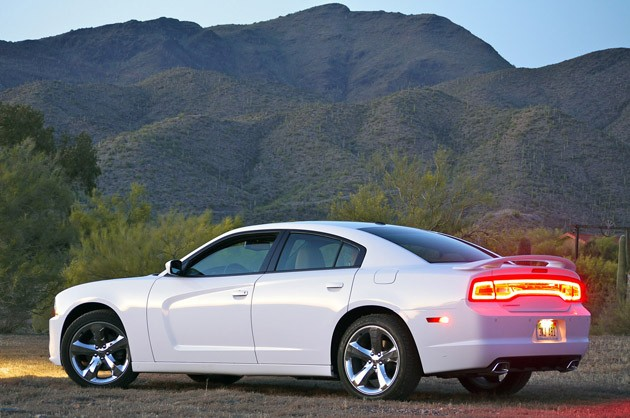 2011 Dodge Charger Rallye V6 rear 3/4 view