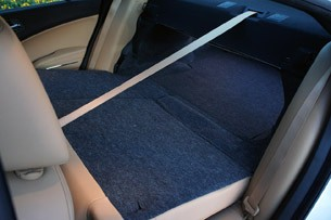 2011 Dodge Charger Rallye V6 folded rear seats