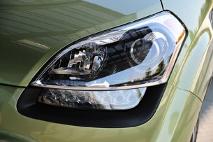 2012 Kia Soul headlight