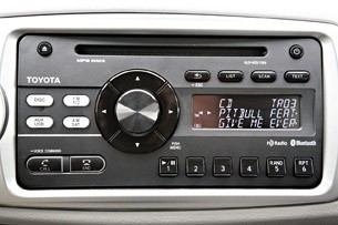 2012 Toyota Yaris audio controls