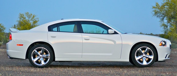 2011 Dodge Charger Rallye V6 side view