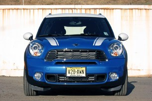 2011 Mini Cooper S Countryman All4 front view