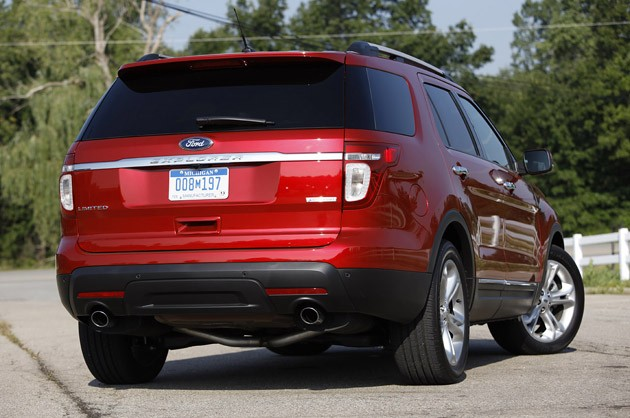 2012 Ford Explorer EcoBoost rear 3/4 view
