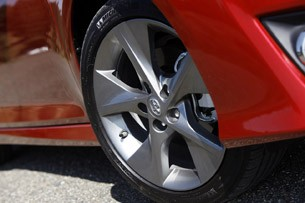 2012 Toyota Camry wheel