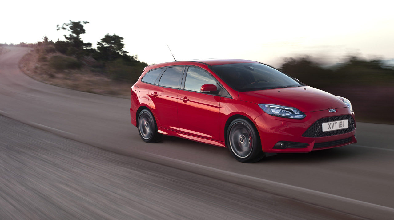 ford focus st wagon photo gallery autoblog. Black Bedroom Furniture Sets. Home Design Ideas