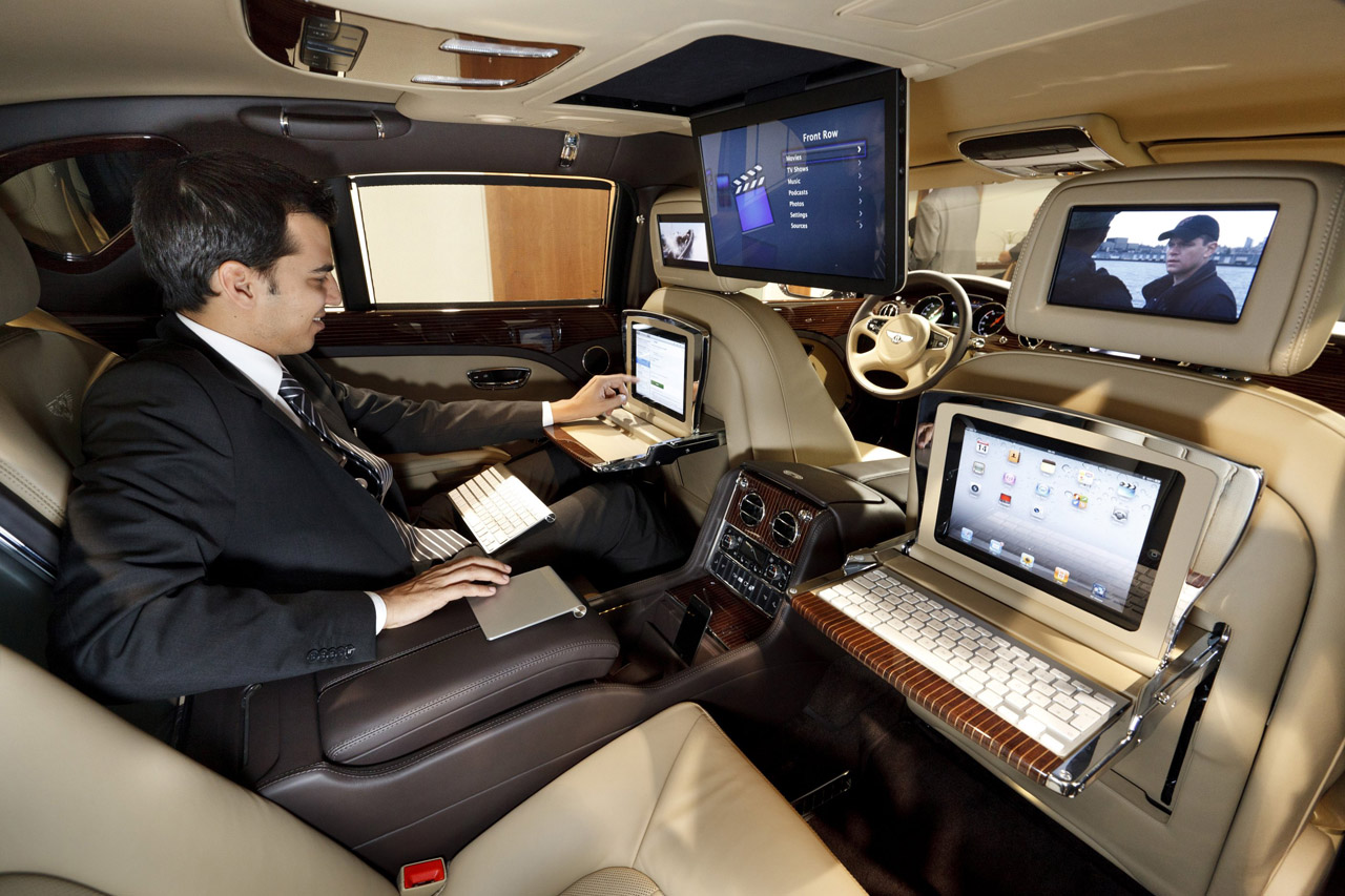 Bentley mulsanne executive interior concept is how to roll for Interieur de voiture de luxe