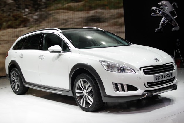peugeot 508 rxh hybrid crossover sips down diesel gets 56 mpg. Black Bedroom Furniture Sets. Home Design Ideas