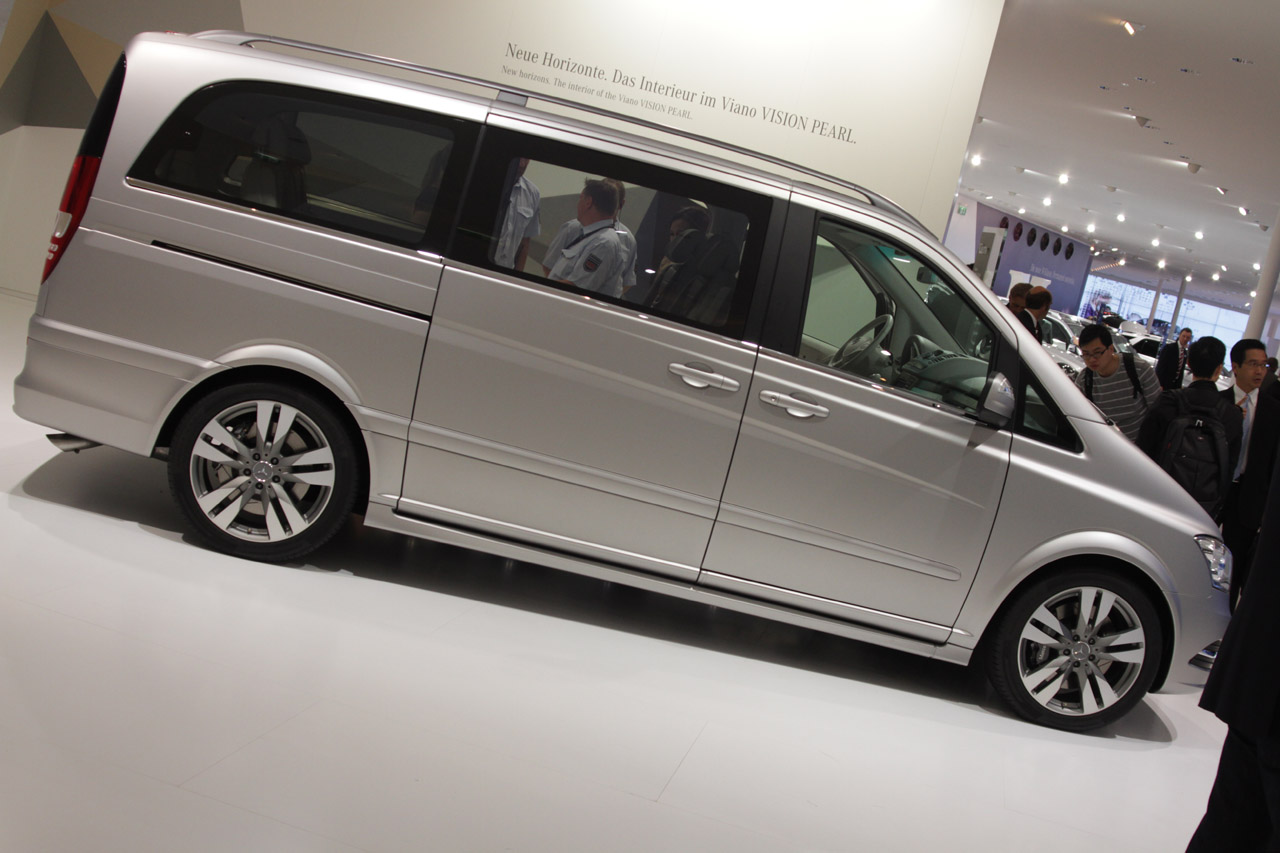 Mercedes Certified Pre Owned >> 2012 Mercedes-Benz Viano Vision Pearl concept is a van for VVVIPs - Autoblog