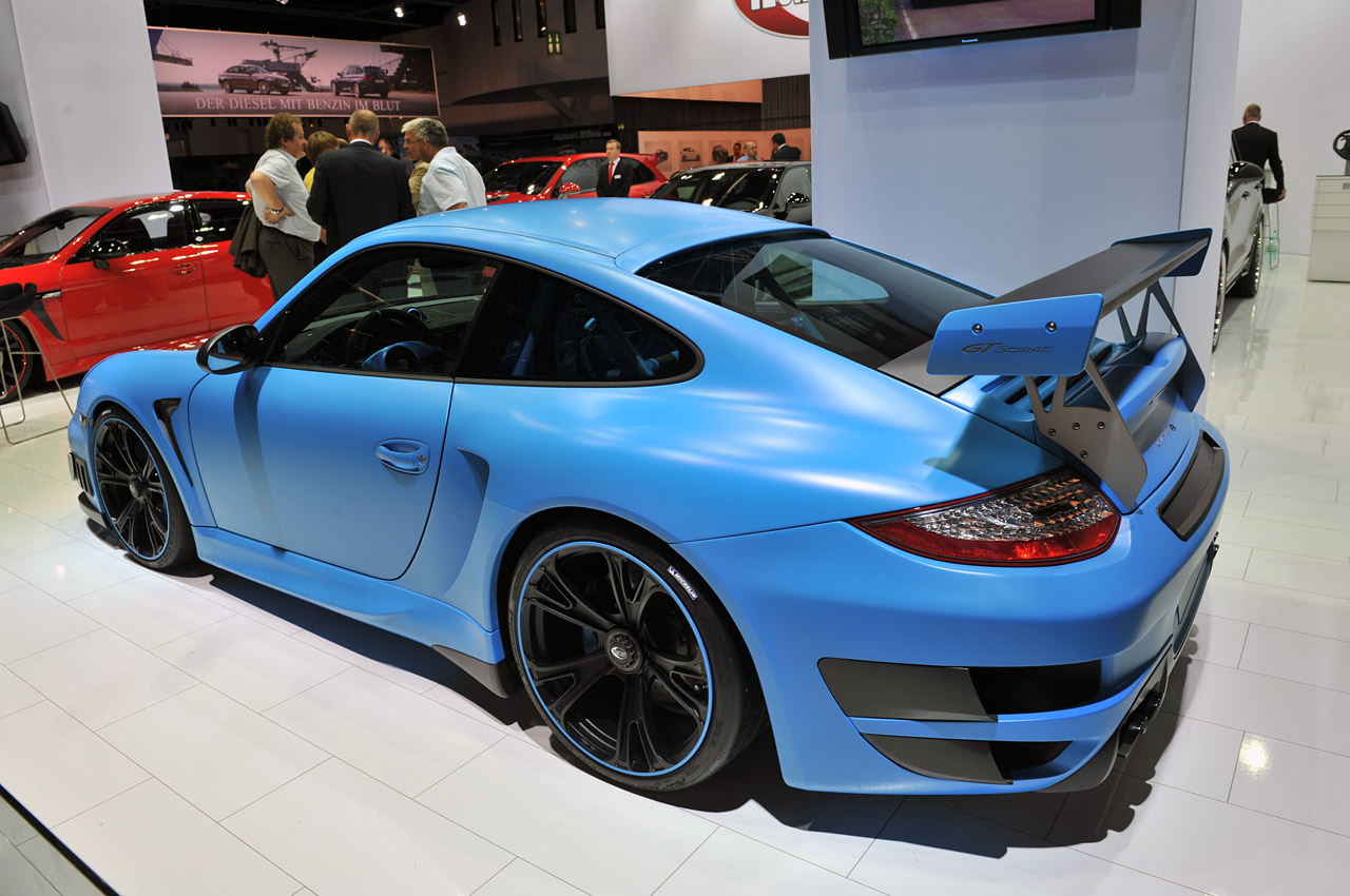 techart gtstreet rs is the ultimate smurf colored porsche. Black Bedroom Furniture Sets. Home Design Ideas