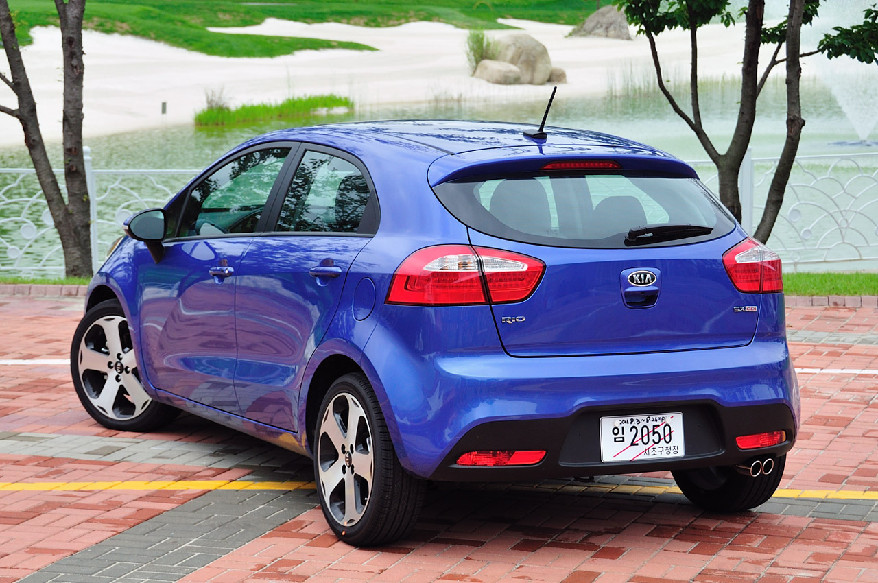 2012 kia rio 5 door first drive photo gallery autoblog. Black Bedroom Furniture Sets. Home Design Ideas