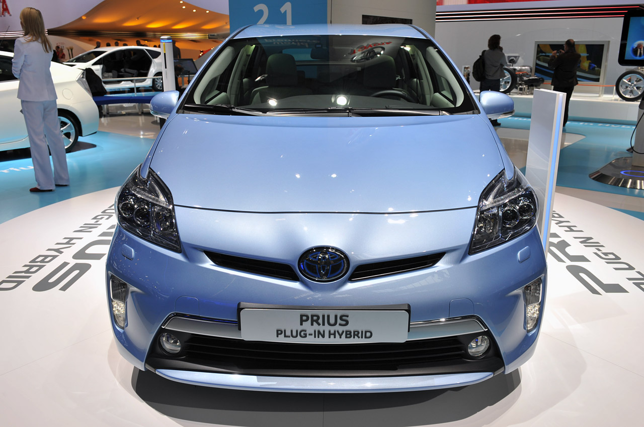 2012 toyota prius plug in hybrid now offers 111 mpge. Black Bedroom Furniture Sets. Home Design Ideas