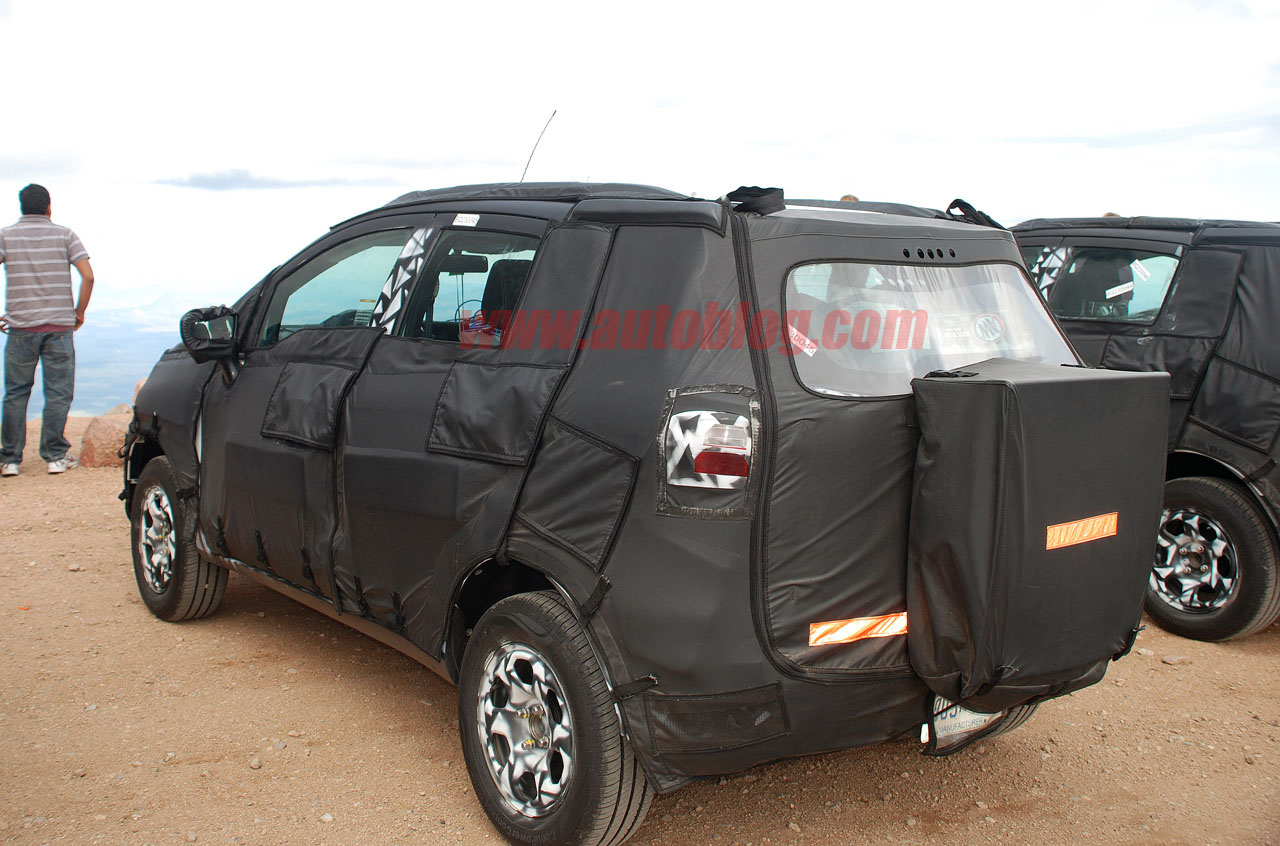 ford fiesta based cuv suv spied again page 2 ford motor company discussion forum blue. Black Bedroom Furniture Sets. Home Design Ideas
