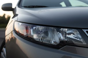 2011 Kia Forte 5-Door headlight