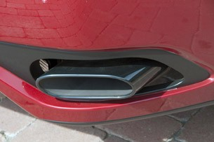 2012 Maserati GranTurismo Convertible Sport exhaust tip