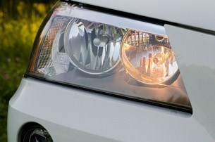 2011 BMW X3 xDrive28i headlight