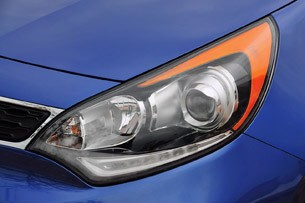 2012 Kia Rio 5-Door headlight
