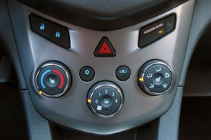 2012 Chevrolet Sonic climate controls