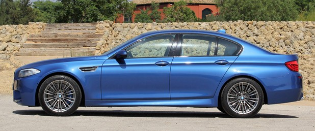 2012 BMW M5 side view