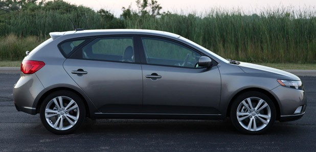 2011 Kia Forte 5-Door side view