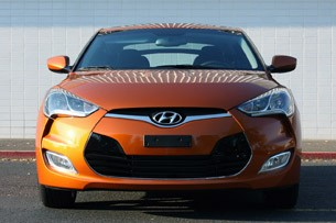2012 Hyundai Veloster front view