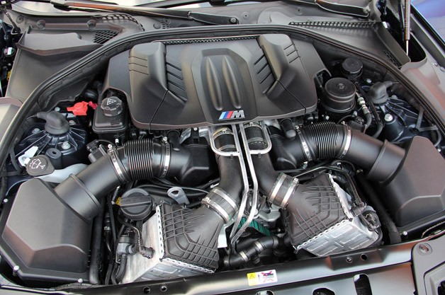 2012 BMW M5 engine