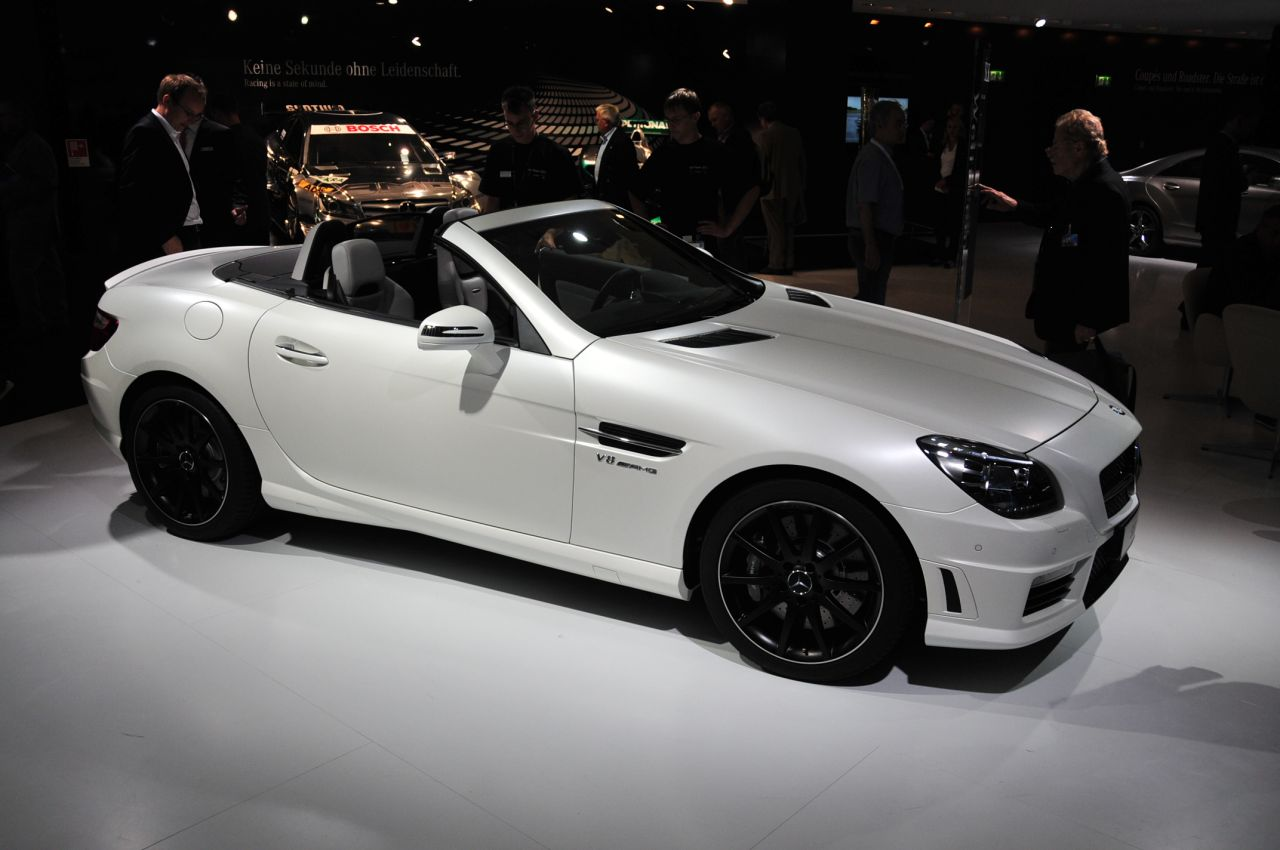 2012 mercedes benz slk55 amg will seriously tatter your toupee w video autoblog. Black Bedroom Furniture Sets. Home Design Ideas