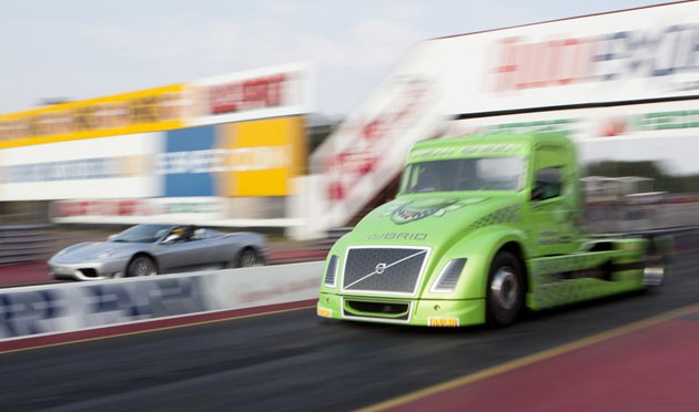 Volvo truck vs Ferrari drag race
