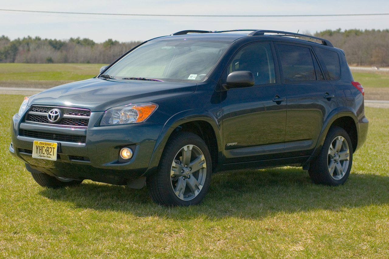 2009 toyota rav4 sport review photo gallery autoblog. Black Bedroom Furniture Sets. Home Design Ideas