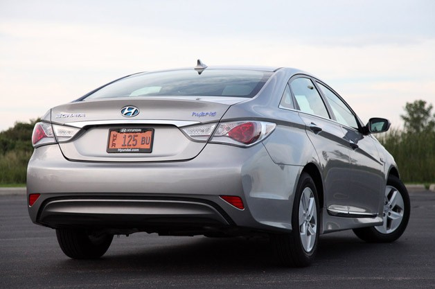 2011 Hyundai Sonata Hybrid rear 3/4 view