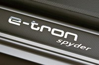 2014 Audi e-tron Spyder badge
