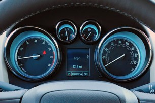 2012 Buick Verano gauges