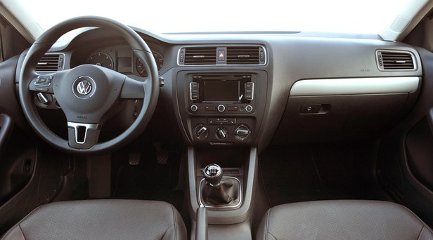 2011 Volkswagen Jetta TDI interior
