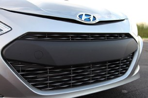 2011 Hyundai Sonata Hybrid grille