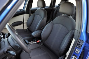 2011 Mini Countryman front seats