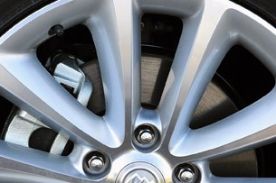 2012 Buick Verano wheel detail