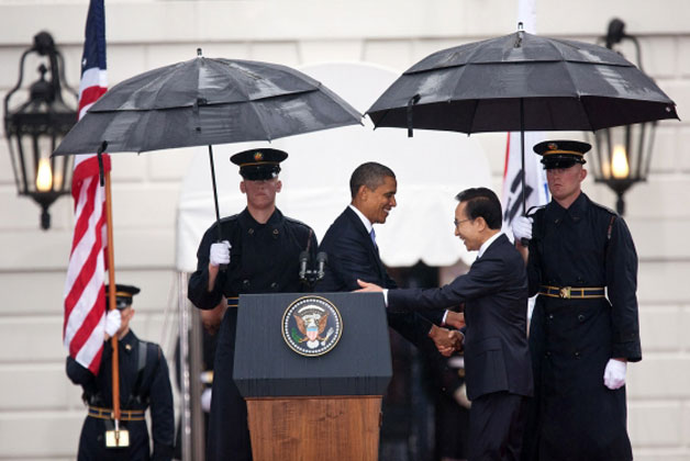 President Obama welcomes President Lee Myung-bak of the Republic of Korea to the White House