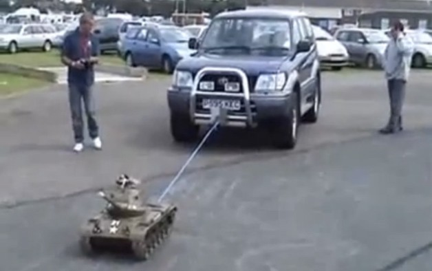 Redneck Towing. LIKE A BOSS. (2 Pics) | Daily Dawdle