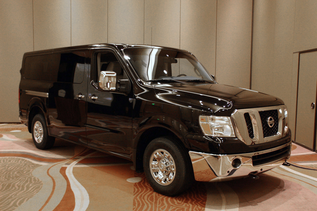2012 nissan nv3500 passenger van live images photo gallery autoblog. Black Bedroom Furniture Sets. Home Design Ideas