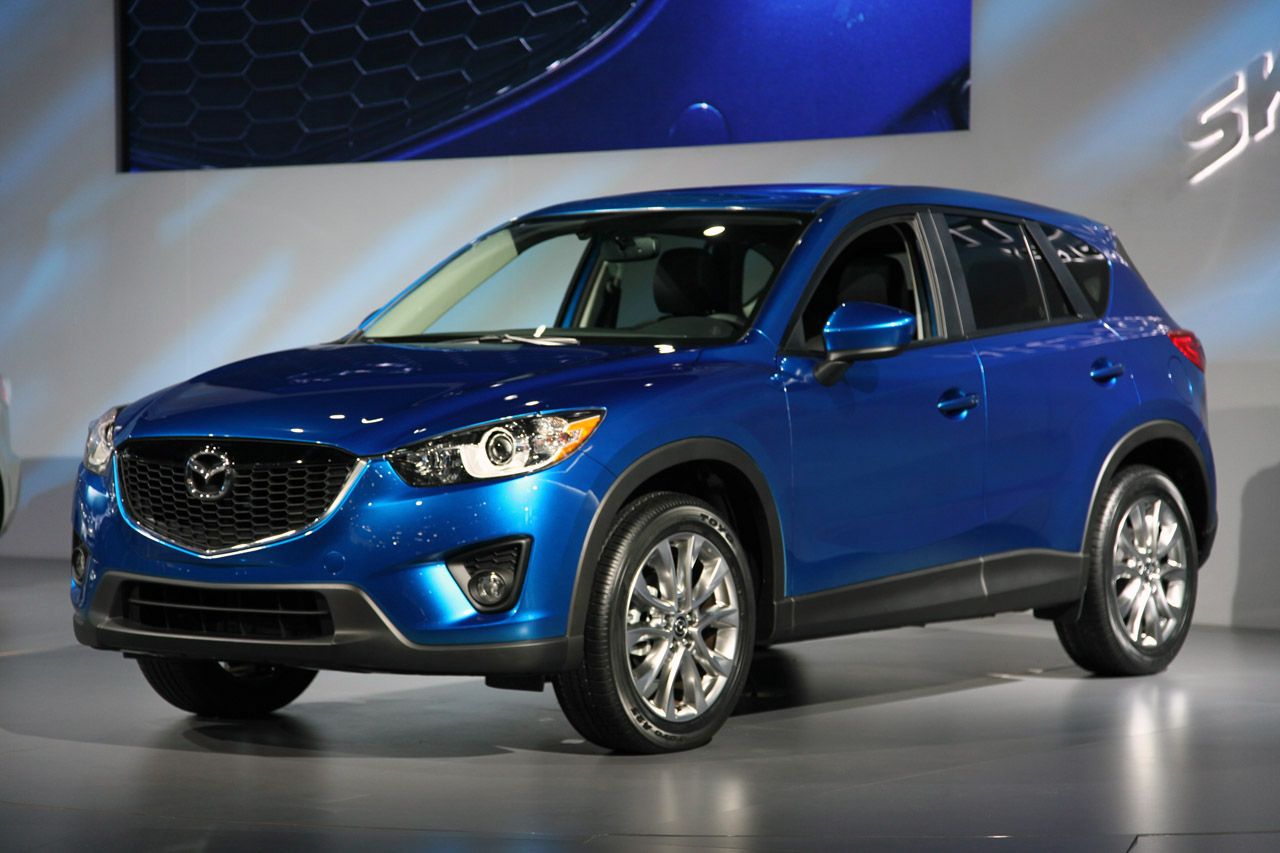 mazda reveals 2013 cx 5 for u s autoblog. Black Bedroom Furniture Sets. Home Design Ideas