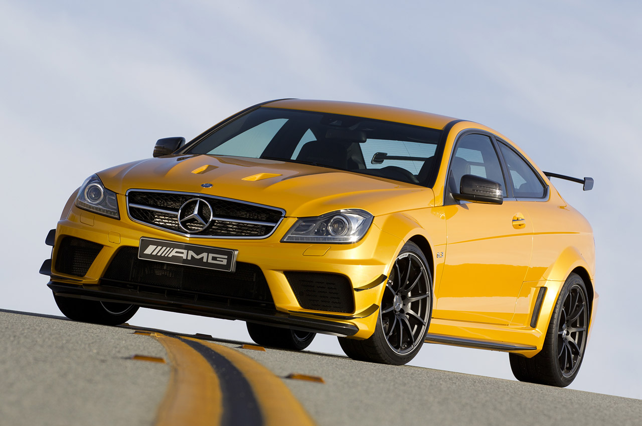 fotos mercedes benz c63 amg coupe black series. Black Bedroom Furniture Sets. Home Design Ideas