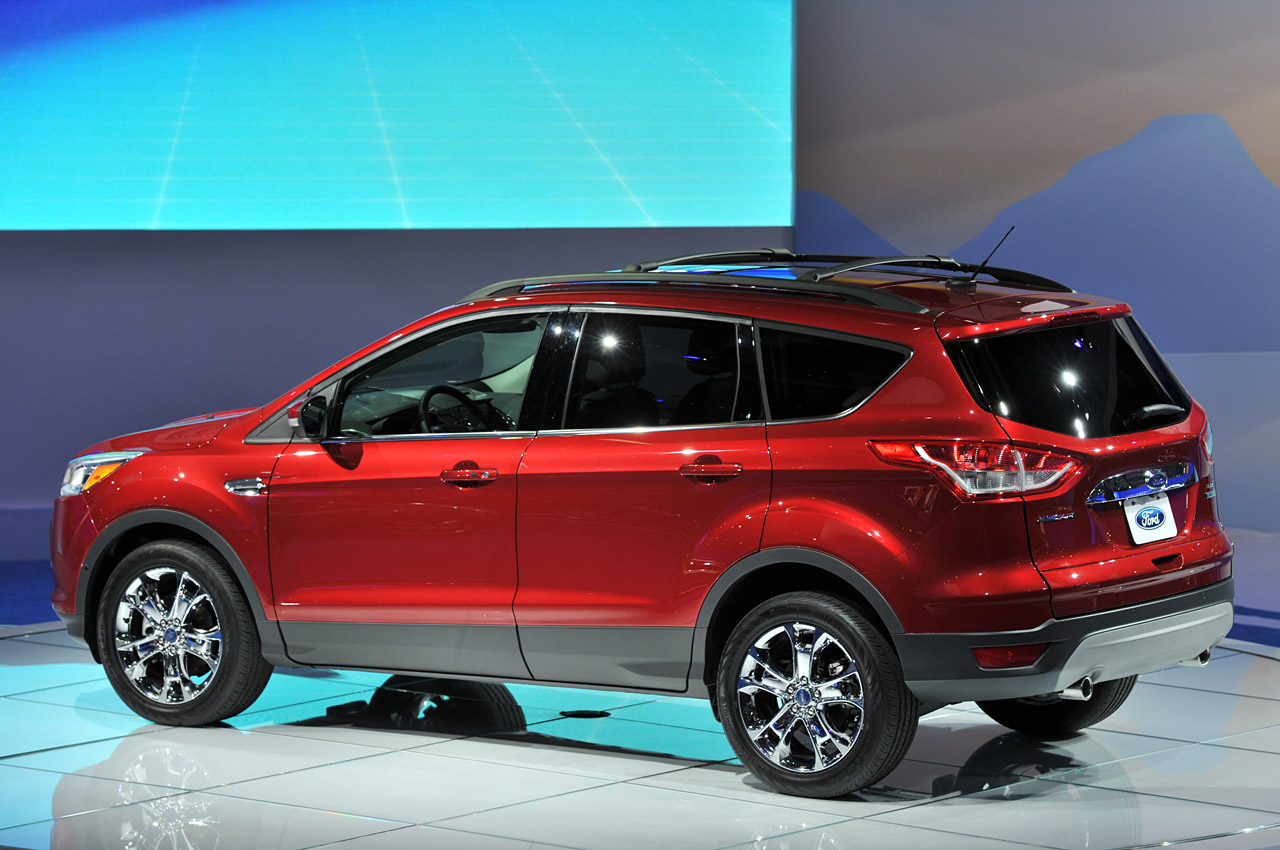 2013 ford escape looks better in la autoblog. Black Bedroom Furniture Sets. Home Design Ideas